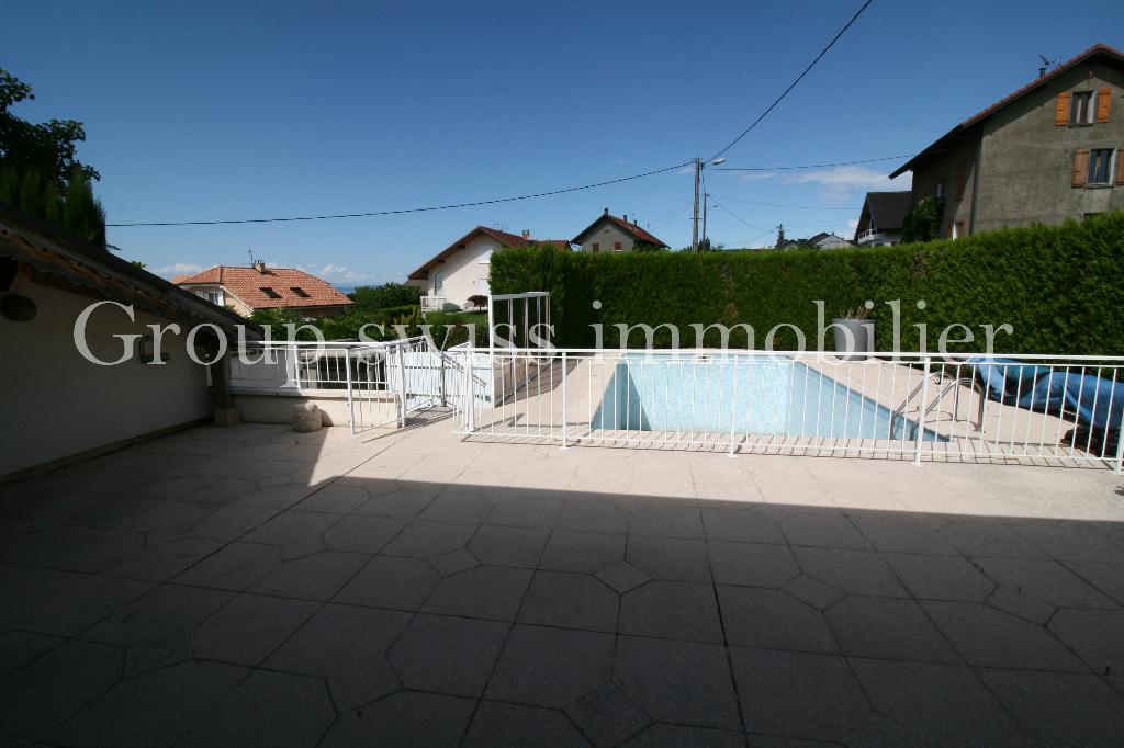 A vendre  villa Marin 5 pièces 140 m2 , piscine chauffée.
